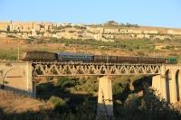 Treno storico letterario del Kaos - Transito sul Ponte Sant'Anna